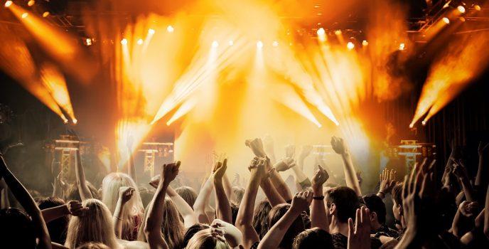 Od radia po karaoke – najlepsze funkcje głośników power audio
