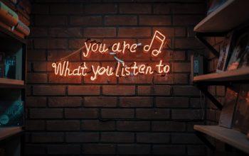 Impreza w plenerze tylko z dobrą muzyką, czyli wybieramy głośnik power audio